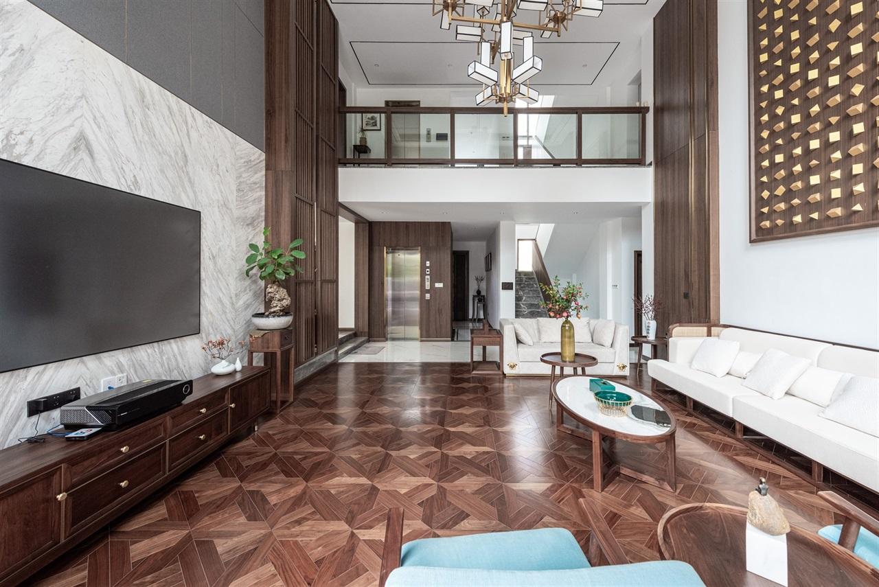 别墅一层客厅